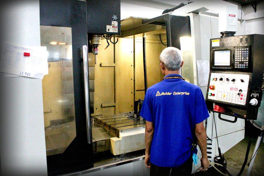 Molder Enterprise, design molds, plastic, manufacture plastic injection parts.
